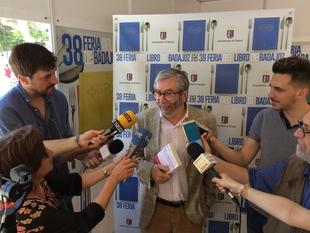 Antonio Muñoz Molina presenta su última novela ''Tus pasos en la escalera''