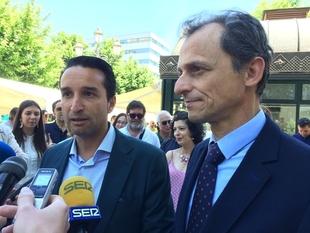 El ministro Pedro Duque valora el proyecto 'entusiasta' de Cabezas