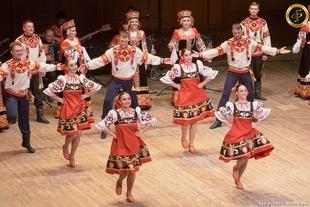 El Festival Folclórico Internacional ofrece este viernes las actuaciones de grupos de San Vicente de Alcántara, Portugal y Rusia
