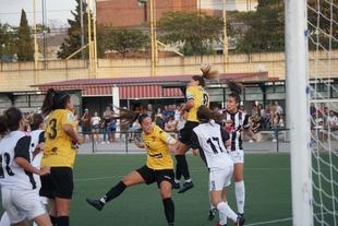 Contundente victoria del Santa Teresa ante el CD Badajoz y pase a la final