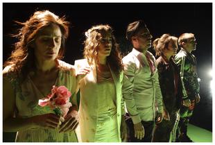 La obra 'What is love?, Baby don´t hurt me' cierra la 42 edición del Festival Internacional de Teatro