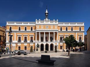La fachada del Ayuntamiento de Badajoz se cubrirá con los Derechos del Niño dibujados por menores de nuestra ciudad