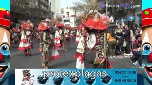 La Bullanguera abre el desfile de Comparsas