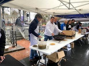 Badajoz repartió Migas Solidarias este sábado