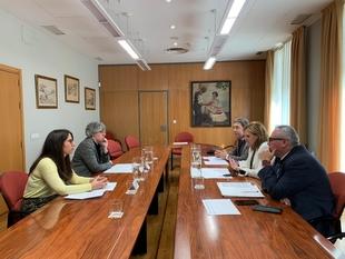 Delegación del Gobierno y Junta de Extremadura abordan la situación del tráfico aéreo de Badajoz