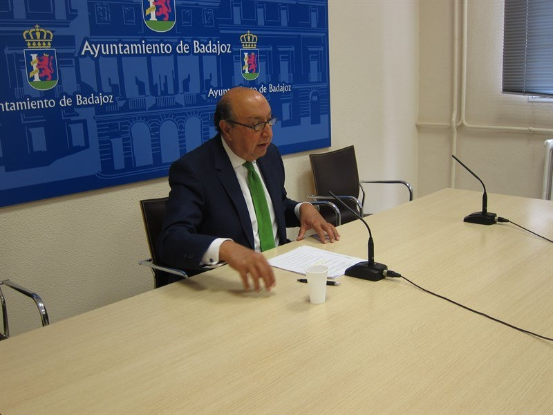 El Ayuntamiento de Badajoz celebrar� en octubre el pleno para aprobar el reglamento de elecci�n de los alcaldes ped�neos