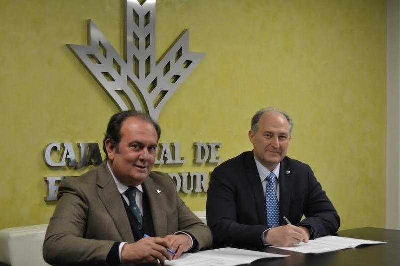 Caja Rural de Extremadura firma un acuerdo de colaboración con el Colegio de Veterinarios de Badajoz