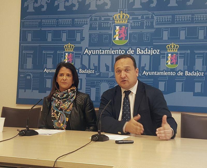 El PP critica la falta de apoyo de la oposición ante la instalación de placas solares en los cementerios