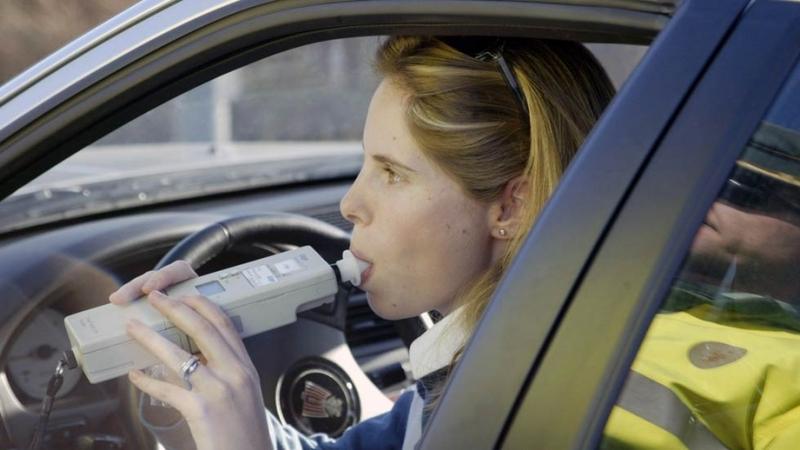 Dos conductores pasan a disposición judicial en Badajoz por multiplicar por ''más de tres'' las tasas de alcohol
