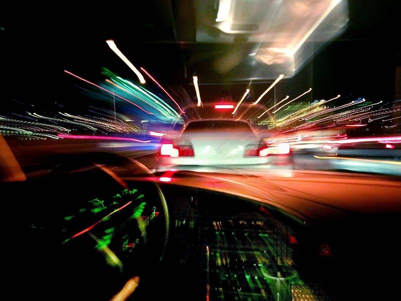 Un joven de 27 años, a disposición judicial por empotrarse contra una rotonda en Badajoz cuando conducía ebrio