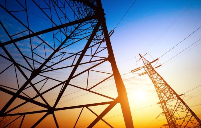 Podemos Recuperar Badajoz aboga por que las empresas de luz y gas paguen una tasa por ocupar suelo público