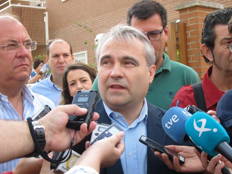 El alcalde elude hablar sobre la baja de Borruel de Cs, y apunta que ''él sabrá qué es lo que quiere hacer''