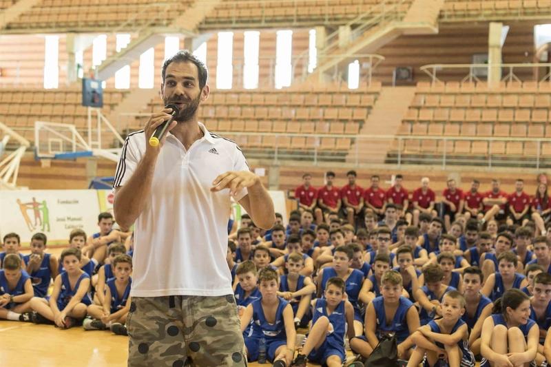 Cerca de 220 jóvenes participarán hasta el domingo en Badajoz en una edición más del 'Campus Calderón' de baloncesto