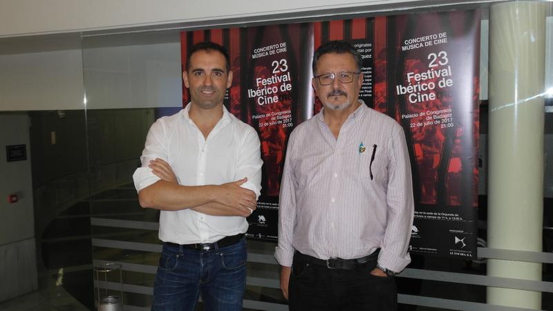Fernando Velázquez dirige a la OEX en un concierto de Música de Cine en Badajoz
