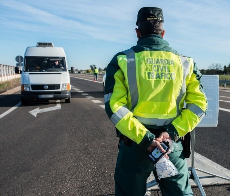 La Guardia Civil multa a 38 conductores por dar positivo en alcohol y 14 en drogas en la Feria de San Juan