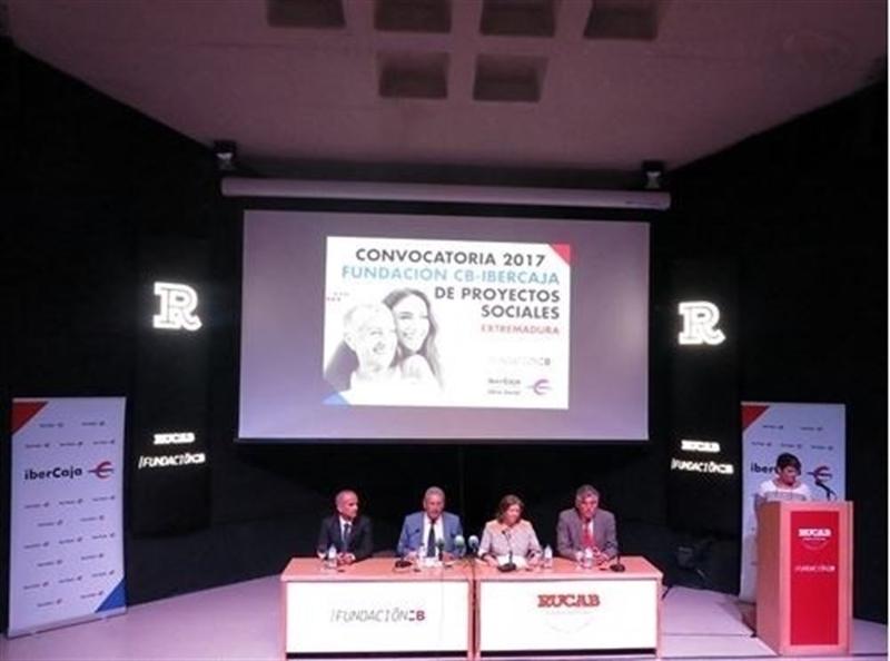 La Fundación Caja Badajoz e Ibercaja aprueban 35 proyectos sociales de entidades extremeñas sin ánimo de lucro