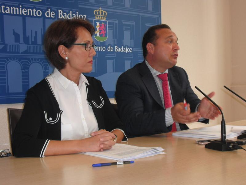 El ayuntamiento asumirá el mantenimiento de tres viales del polígono El Nevero