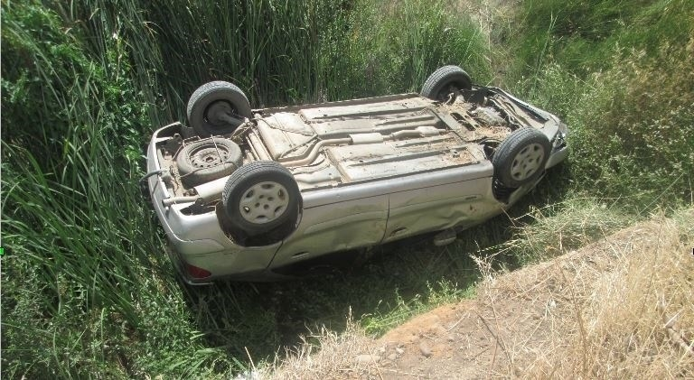 Dos heridos al volcar cerca de Badajoz el coche que conducía un hombre de 35 años que dió positivo en alcohol