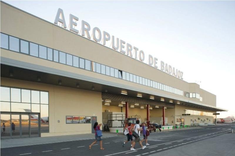 Prohíben portar vegetales en el vuelo Badajoz-Palma para impedir la dispersión de la bacteria Xylella fastidiosa