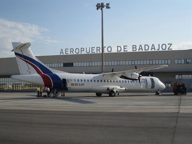 Los vuelos estivales Badajoz-Mallorca se inician este viernes, y los de Ibiza arrancarán el próximo martes