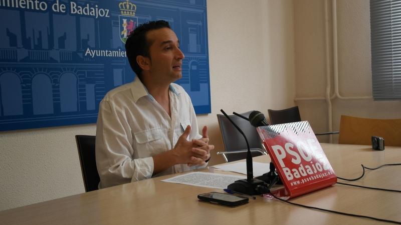 El PSOE se compromete a ''trabajar de verdad'' para rebajar la tensión municipal