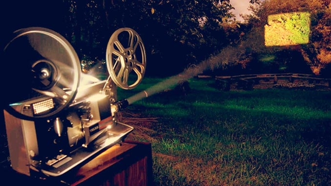 El Cine de verano de AUPEX llega al barrio del Gurugú en Badajoz durante el mes de agosto