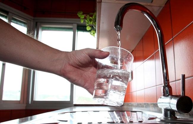 La tarifa del agua en Badajoz se mantiene un 10% más barata que la media nacional, según FACUA