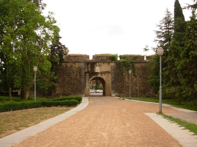 Una visita guiada recorrerá este sábado los escenarios del asedio de 1705 en Badajoz