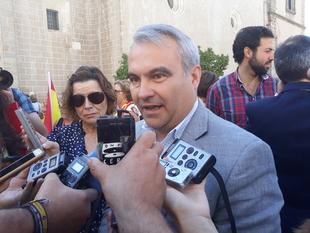 Fragoso defiende que la ''fortaleza de España y de nuestra democracia va a triunfar'' y que las cosas ''volverán pronto a la normalidad''