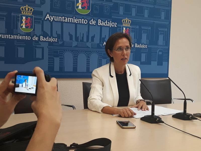 El entorno de los aparcamientos de la Facultad de la Alcazaba estará limitado a los profesores que dispongan de tarjeta identificativa