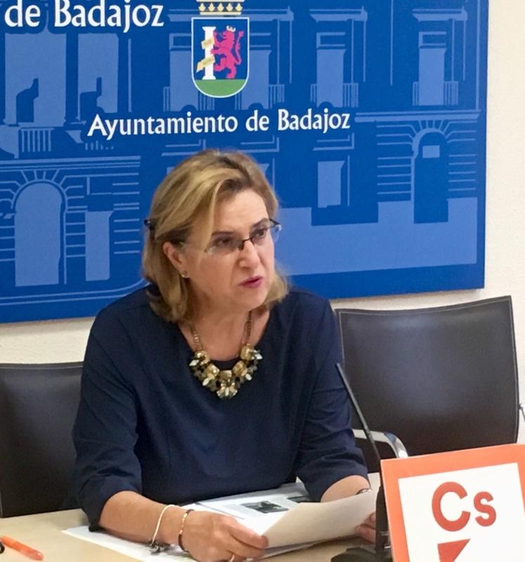 Julia Timón anuncia la reducción de un 5,26% en el IBI para 2018 y la subida en bonificaciones para familias numerosas