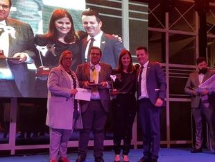 La Junta recibe el premio Federación del Carnaval por su apoyo y promoción del Carnaval de Badajoz