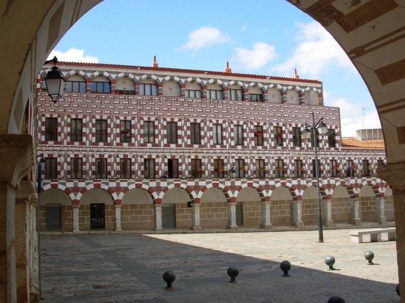 Una visita guiada mostrará el próximo sábado las plazas ''más emblemáticas'' de Badajoz