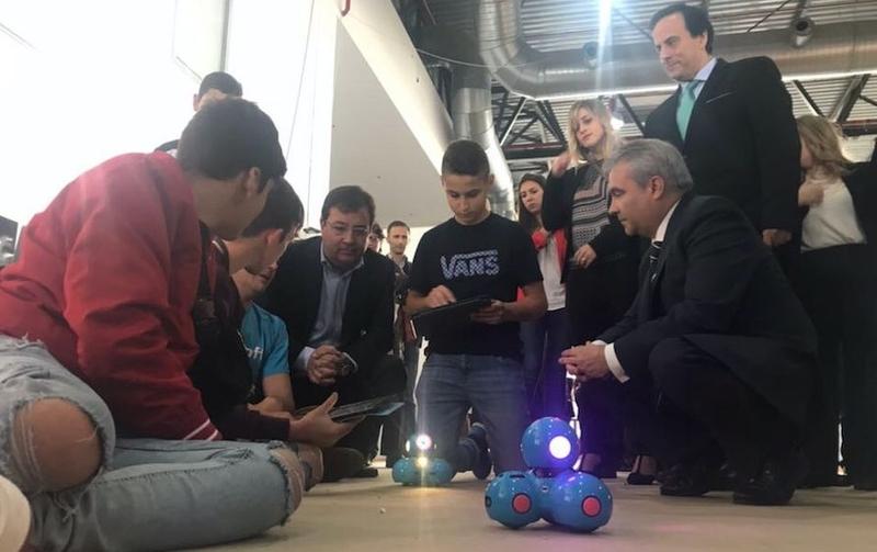 Abre sus puertas RoboRAVE, la feria internacional de robótica que reúne a más de 5.000 niños de nueve países