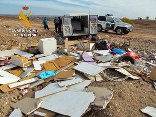 Pilladas ''in fraganti'' dos personas al verter residuos en las Cuestas de Orinaza