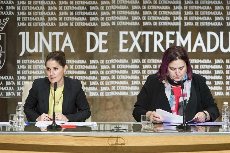 El Consejo de Gobierno autoriza iniciar el proceso para el contrato publicitario de los vuelos Badajoz-Madrid y Badajoz-Barcelona