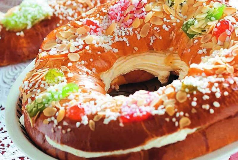 Más de 300 pasteleros de El Corte Inglés se encargan de elaborar el ''rey de los roscones''