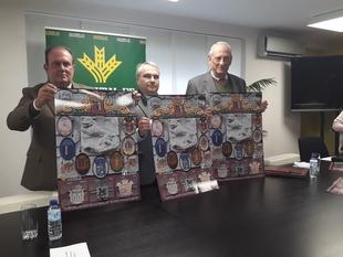 La Asociación Amigos de Badajoz edita 300 calendarios con el escudo de la ciudad