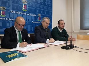 El Polígono el Nevero cede tres calles al ayuntamiento de Badajoz y renueva su asfaltado y señalización