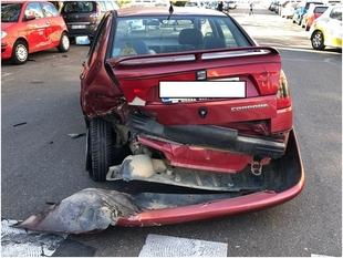 Un joven de Badajoz que conducía ebrio provoca un accidente en la Avda. República Dominicana