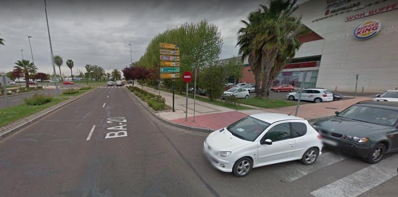 El tercer carril de la avenida de Elvas espera mejorar la fluidez del tráfico