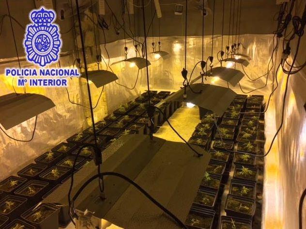 La Policía Nacional detiene a 2 personas por tráfico de drogas