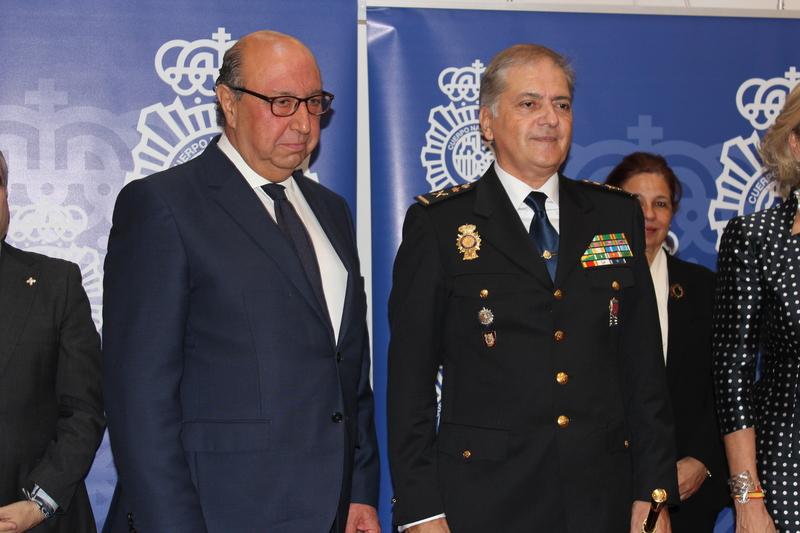 El director de la Policía ha asistido en Badajoz a la toma de posesión de José Antonio Togores como nuevo jefe superior de Extremadura
