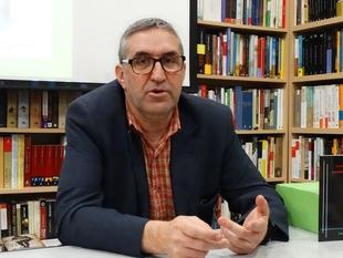 El escritor José Manuel Vivas presenta el próximo jueves su libro sobre ''La Tertulia Página 72''