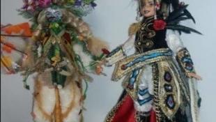 El concurso Barbie en el Carnaval de Badajoz declara desierto el primer premio y otorga el segundo al disfraz 'Nadur'