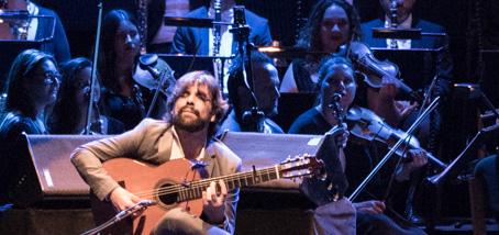 ''Palo Santo'', el espectáculo del guitarrista Daniel Casares que une el flamenco y la semana santa, llega este sábado a Badajoz