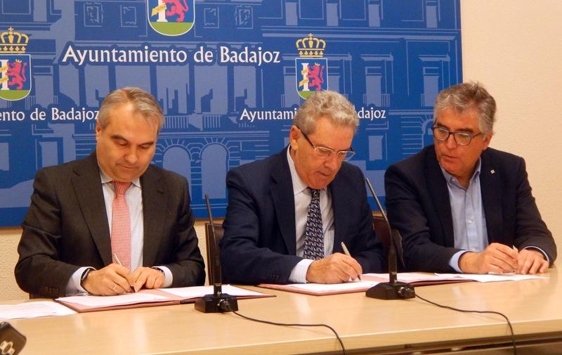 Caja Badajoz y el Ayuntamiento acuerdan el XIII Certamen Transfronterizo JABA 2018