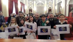 El Ayuntamiento premia a cinco niños por el 'Concurso de Dibujo sobre el Agua'