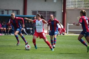 Charlyn desequilibra el choque entre el Levante UD y un Santa Teresa Badajoz con muchas ocasiones