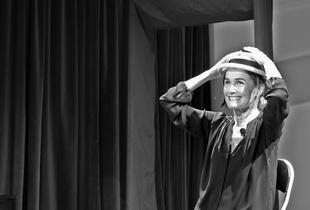 'En el laberinto', el combo de monólogos de Cristina Morales, llega a la Residencia Universitaria Hernán Cortés